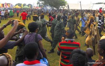 Hoog bezoek op Zambia's Nc'Wala Ceremonie.