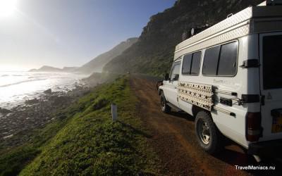 De kustweg naar Kaapstad toe.